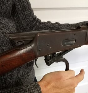 Opening up the chamber of a home defense lever action rifle