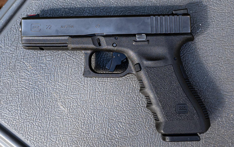 A Glock 40 cal pistol